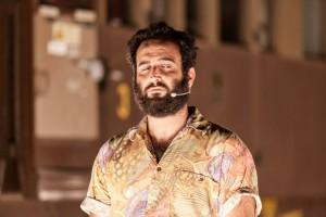 Gli Omini in Ci scusiamo per il disagio - Associazione Teatrale Pistoiese 14 (foto Serena Gallorini)