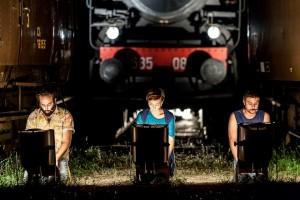 Gli Omini in Ci scusiamo per il disagio - Associazione Teatrale Pistoiese 2 (foto Serena Gallorini)